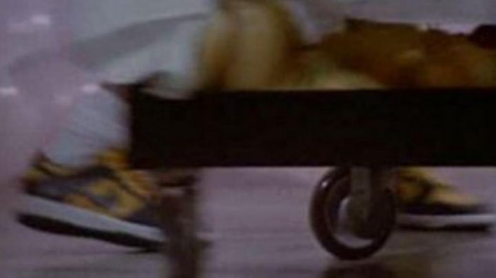 Fashion Trends 2021: Sneakers Nike Dunk in The witches of Eastwick