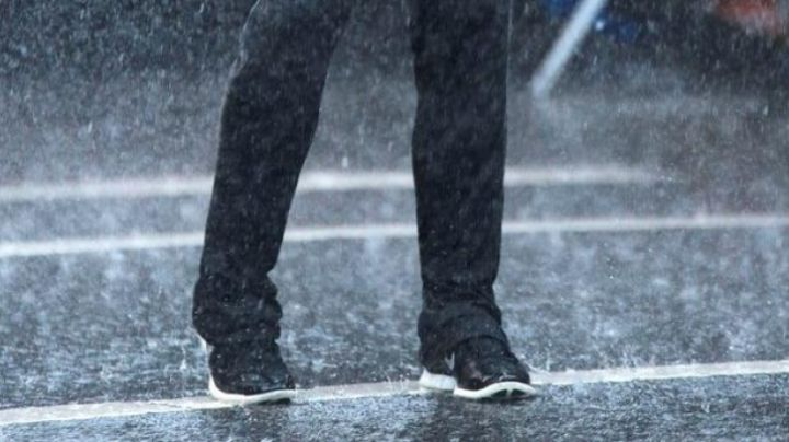 Fashion Trends 2021: Sneakers Nike Free 5.0 Christian Grey (Jamie Dornan) in Fifty shades of Grey