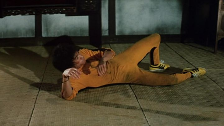 """Sneakers Onitsuka Tiger """"Tai Chi"""" Hai Tien (Bruce Lee) Game of Death - Movie Outfits and Products"""