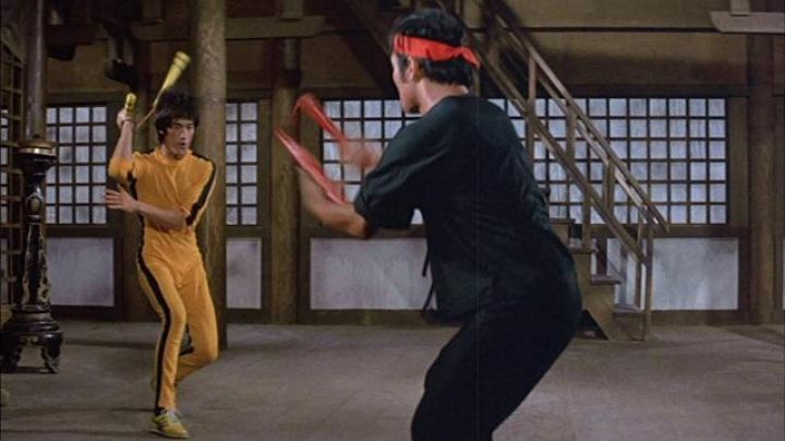 Sneakers Onitsuka Tiger yellow model Tai Chi Hai Tien (Bruce Lee) game of death - Movie Outfits and Products