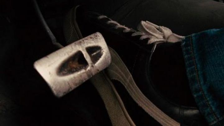 Sneakers Puma Suede black worn by Brian O'conner (Paul Walker) in Fast and Furious 4 - Movie Outfits and Products