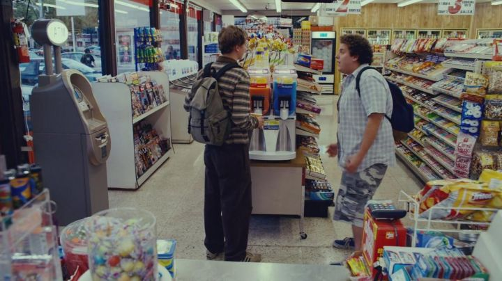 Sneakers Vans of Seth (Jonah Hill) in Supergrave / Superbad - Movie Outfits and Products