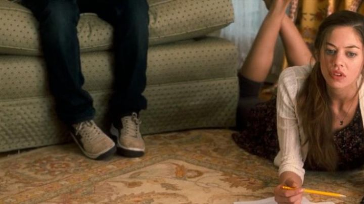 Sneakers beige and black Robbie Weaver (Jonah Bobo) in Crazy, Stupid, Love - Movie Outfits and Products