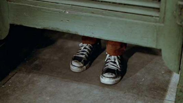 Sneakers black Converse Chuck Taylor's Rembrandt (Marcelino Sánchez) in The Warriors - Movie Outfits and Products