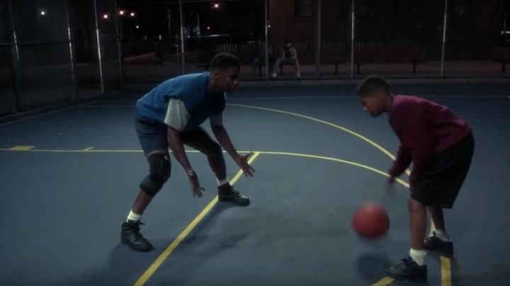Sneakers black Nike Air Force 1 Mid of Jake Shuttlesworth (Denzel Washington) in He Got Game - Movie Outfits and Products