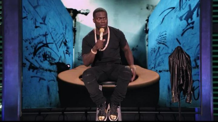 Fashion Trends 2021: Sneakers black Saint Laurent of Kevin Hart in Kevin Hart: What Now?