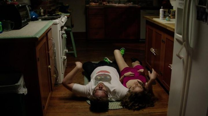 Sneakers black and green in the movie Neighbors - Movie Outfits and Products
