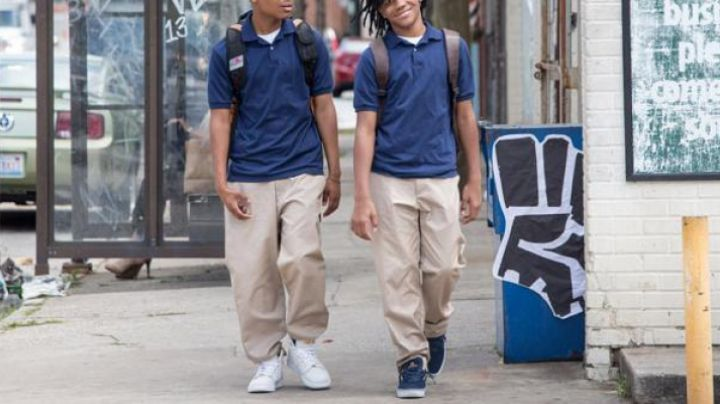 Sneakers low navy blue in Barbershop: The Next Cut - Movie Outfits and Products
