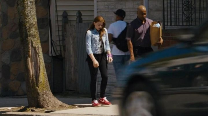 Fashion Trends 2021: Sneakers nike of Teri (Chloe Grace Moretz) in Equalizer