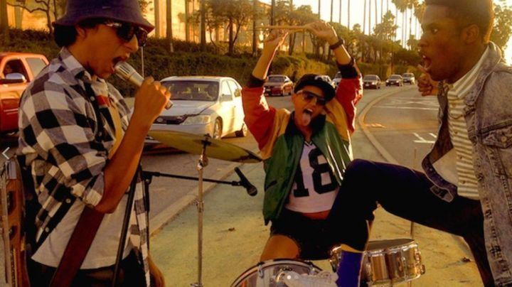Sneakers white bass in the film Dope - Movie Outfits and Products