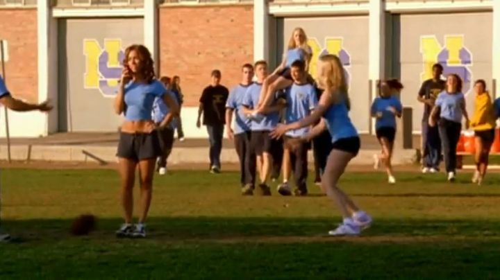 Sneakers white type Fila in Mean Girls - Movie Outfits and Products