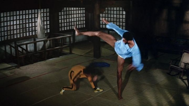 Sneakers yellow Billy Lo (Bruce Lee) game of death - Movie Outfits and Products