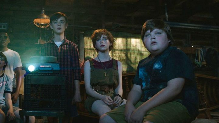 Space Tee Shirt worn by Ben Hanscom (Jeremy Ray Taylor) as seen in It the movie - Movie Outfits and Products