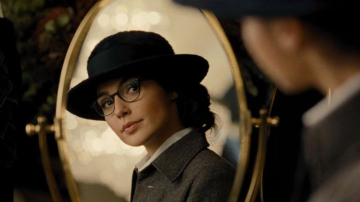 Fashion Trends 2021: Spectacles of Wonder Woman (Gal Gadot) in Wonder Woman