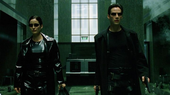 Steampunk Coat worn by Neo (Keanu Reeves) as seen in The Matrix - Movie Outfits and Products