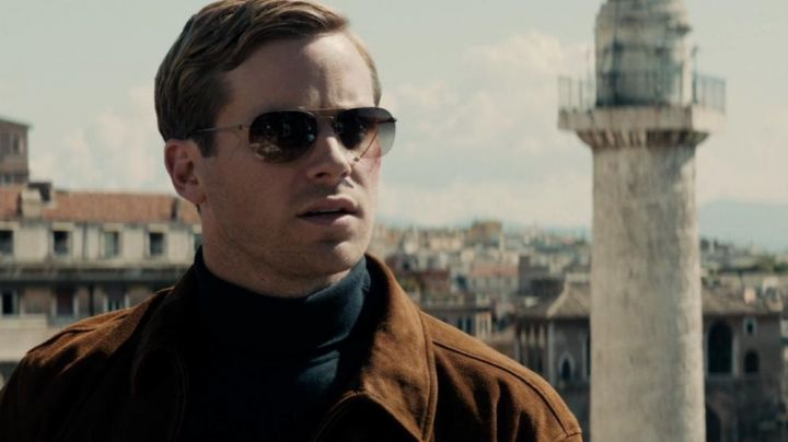 Sun-glasses Illya Kouriakine (Armie Hammer) in very special Agents : Code UNCLE - Movie Outfits and Products