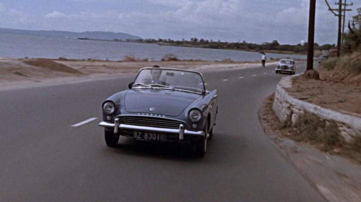 Sunbeam Alpine driven by James Bond (Sean Connery) as seen in James Bond 007 Against Dr. No - Movie Outfits and Products