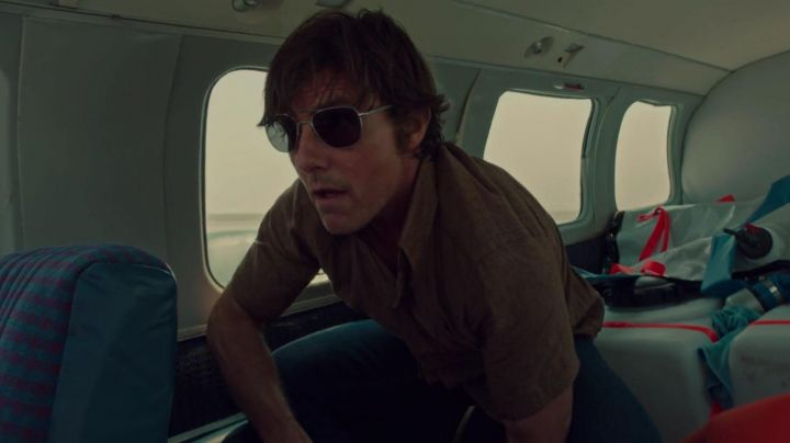 Sunglasses AO Eyewear of Barry Seal (Tom Cruise) in Barry Seal American Traffic - Movie Outfits and Products