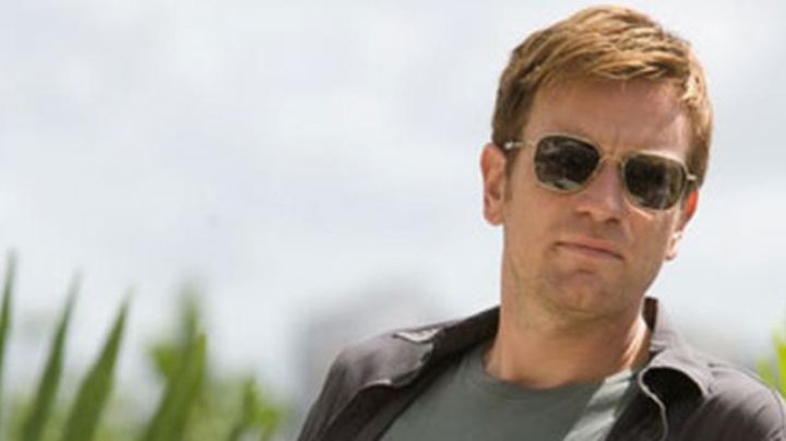 Sunglasses AO Eyewear of Ewan McGregor in The Goats of the Pentagon - Movie Outfits and Products