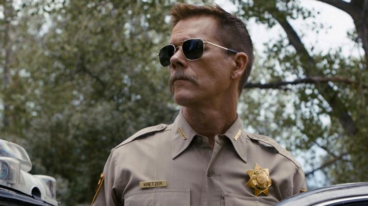 Sunglasses Aviator Randolph Engineering of the Sheriff Kretzer (Kevin Bacon in Cop Car - Movie Outfits and Products