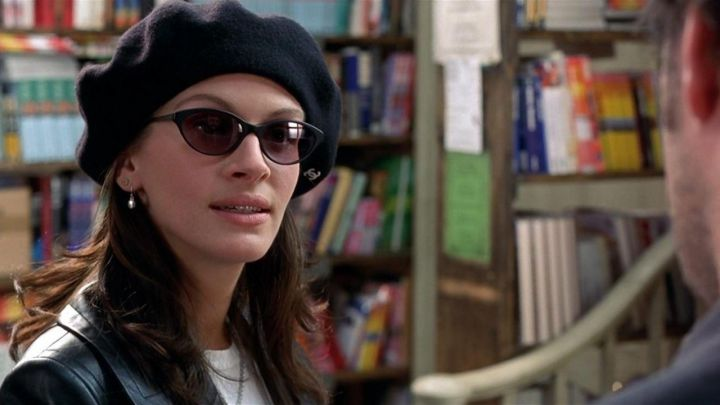 Sunglasses Cutler and Gross of Anna Scott (Julia Roberts) fall in love at Notting Hill Movie