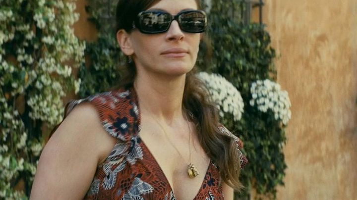 Sunglasses Fendi Claire Stenwick (Julia Roberts) in Duplicity - Movie Outfits and Products
