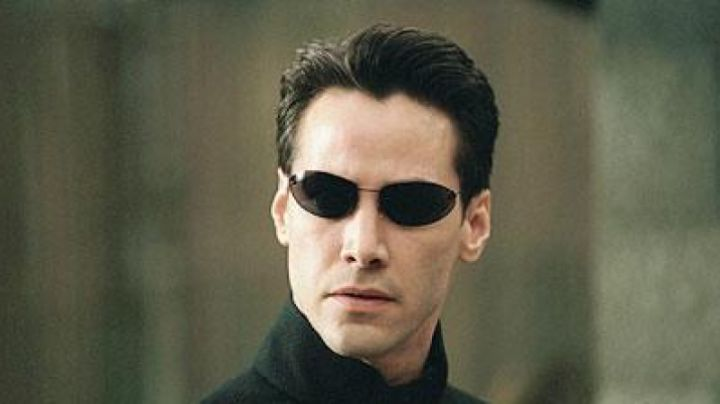 Sunglasses Neo (Keanu Reeves) in the Matrix - Movie Outfits and Products