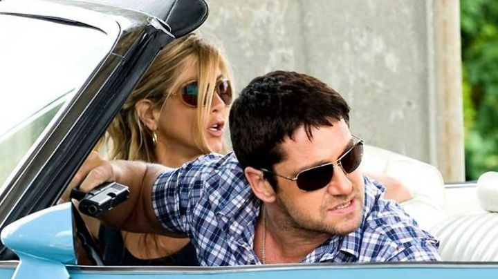 Sunglasses Oliver Peoples of Milo Boyd (Gerard Butler) The bounty hunter - Movie Outfits and Products