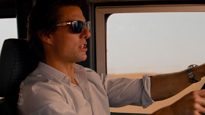Sunglasses Persol of Ethan Hunt (Tom Cruise) in Mission : Impossible - Protocol Ghost - Movie Outfits and Products