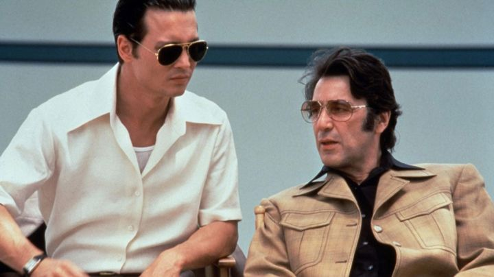 Sunglasses Ray-Ban Aviator gold Joseph D. Pistone (Johnny Depp) in Donnie Brasco - Movie Outfits and Products