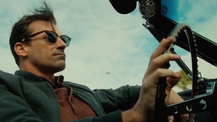 Sunglasses Ray-Ban Clubmaster Will Beam (Jon Hamm) in Nostalgia - Movie Outfits and Products