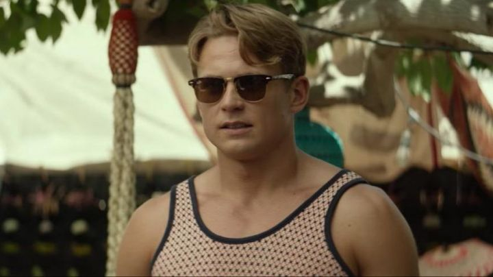 Sunglasses Ray-Ban-Nicky Sloane (Billy Magnussen) in Ingrid Goes West - Movie Outfits and Products