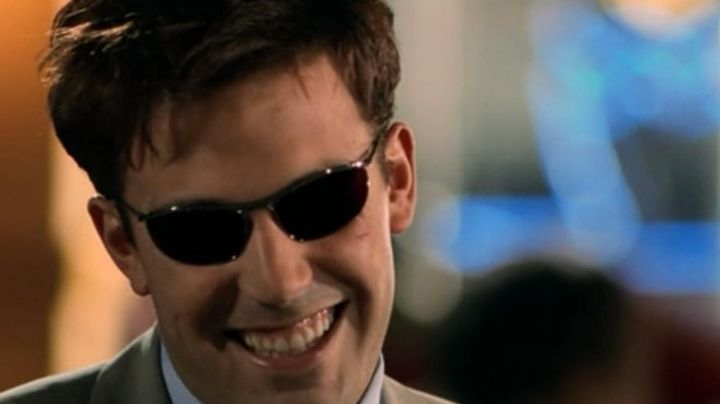 Sunglasses Ray-Ban Olympia I of Matt Murdock (Ben Affleck) in Daredevil - Movie Outfits and Products