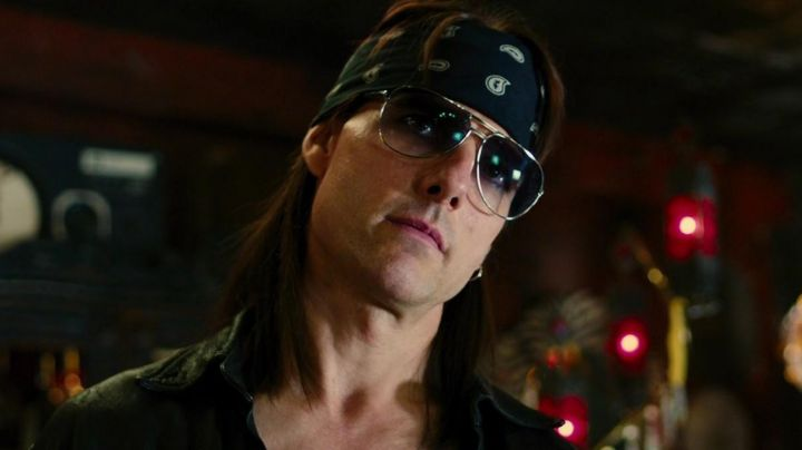 Sunglasses Ray-Ban RB3449 of Stacee Jaxx (Tom Cruise) in Rock Forever - Movie Outfits and Products