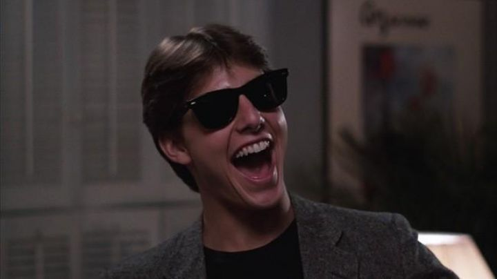 Sunglasses Ray Ban Wayfarer of Joel Goodson (Tom Cruise) in Risky Business - Movie Outfits and Products