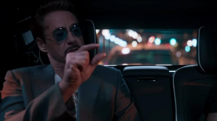 Fashion Trends 2021: Sunglasses Silhouette blue of Tony Stark (Robert Downey, Jr.) in Spider-Man : Homecoming