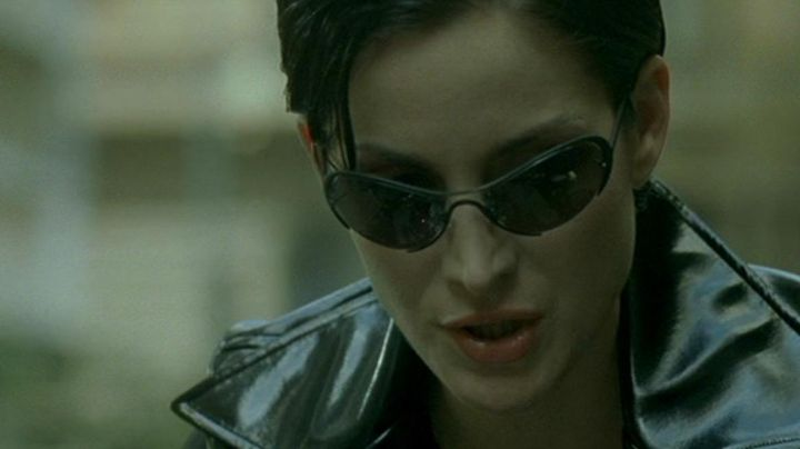 Sunglasses, Trinity (Carrie-Anne Moss) in the Matrix - Movie Outfits and Products
