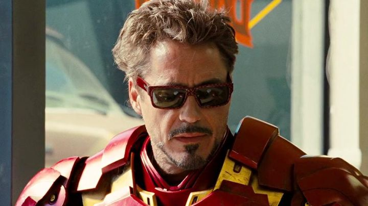 Sunglasses Von Zipper of Tony Stark (Robert Downey, Jr.) in Iron Man 2 - Movie Outfits and Products