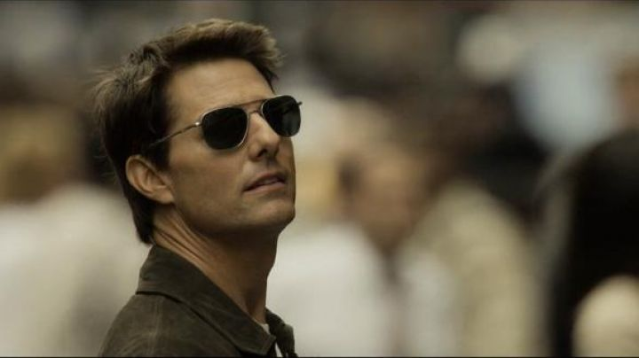 Sunglasses aviator Randolph Engineering Jack Harper (Tom Cruise) in Oblivion - Movie Outfits and Products