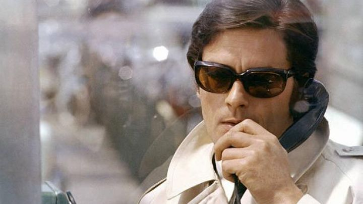 Sunglasses brown Roger Sartet (Alain Delon) in Le Clan des Siciliens - Movie Outfits and Products