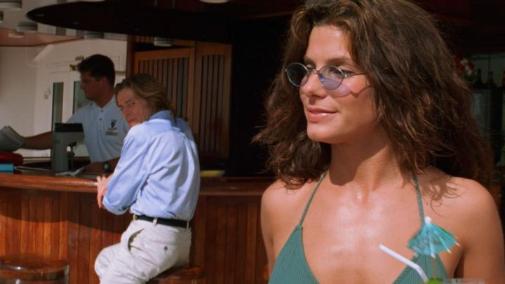 Sunglasses worn by Annie (Sandra Bullock) as seen in Speed 2: Cruise Control movie