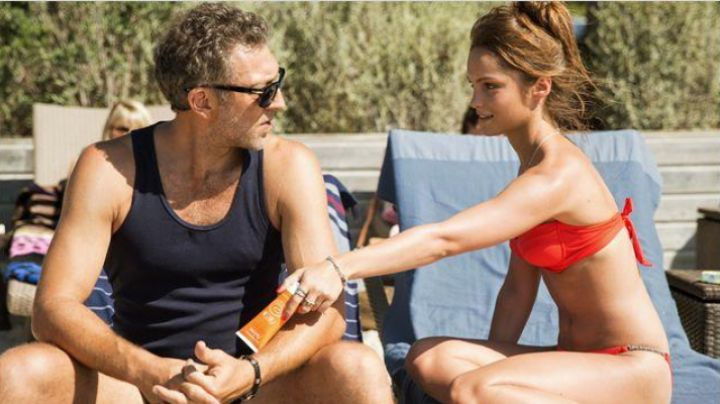 Sunscreen Avene Lawrence (Vincent Cassel) and Louna (Lola Le Lann) in A moment of delusion movie