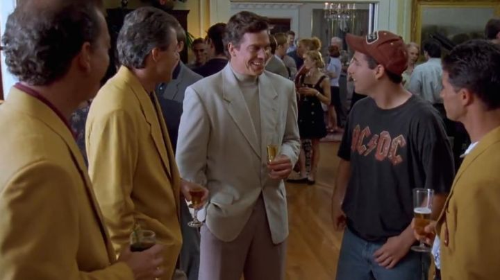 Fashion Trends 2021: T-shirt AC/DC Happy Gilmore (Adam Sandler) in the movie Ended Golf