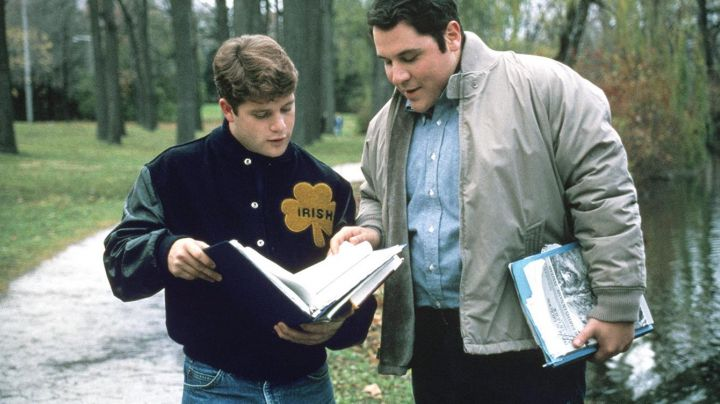 """Teddy """"the Irish"""" of Rudy / Daniel Ruettiger (Sean Astin) in Rudy - Movie Outfits and Products"""