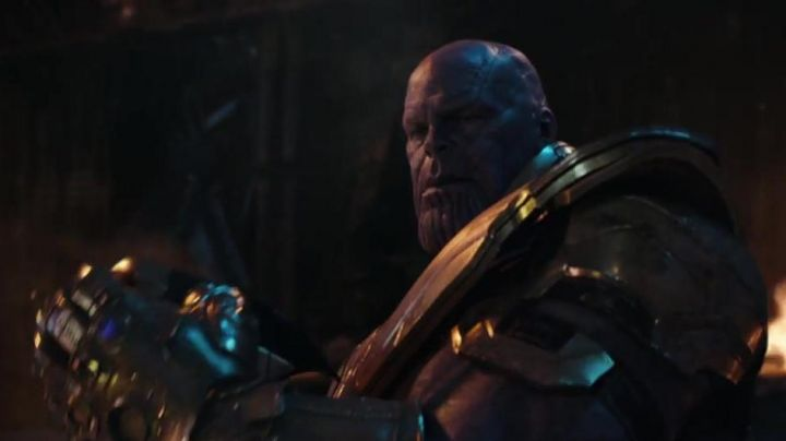 Thanos' (Josh Brolin) strong plastic mask as seen in Avengers: Infinity War - Movie Outfits and Products