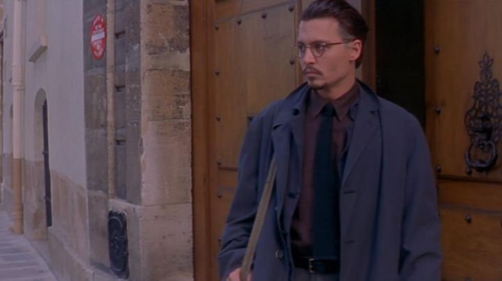 The 17 Quai d'anjou in Paris, the headquarters of the Foundation Kessler in the movie The Ninth Gate - Movie Outfits and Products