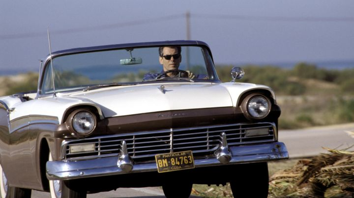 The 1957 Ford Fairlane of Pierce Brosnan in Die Another Day - Movie Outfits and Products