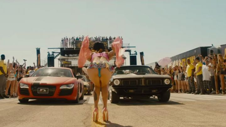 The 1972 Plymouth Barracuda of Michelle Rodriguez in Fast and Furious 7 - Movie Outfits and Products