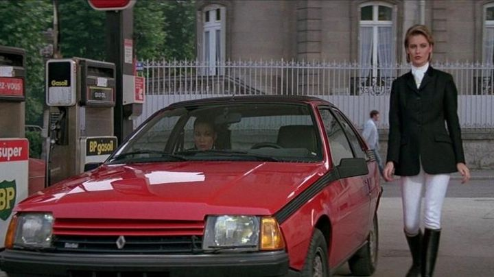 The 1984 Renault Fuego Turbo in A View to a Kill - Movie Outfits and Products