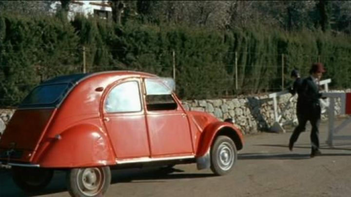 Fashion Trends 2021: The 2CV of the English in Not we'll get angry not